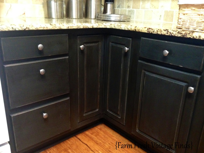 Painting thermofoil cabinets the reveal farm fresh for Can i paint kitchen cabinets with chalk paint