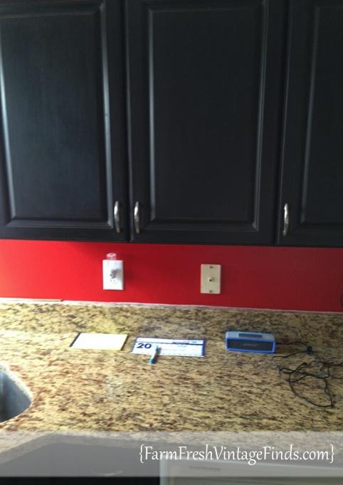 Upper Kitchen Cabinets in Graphite