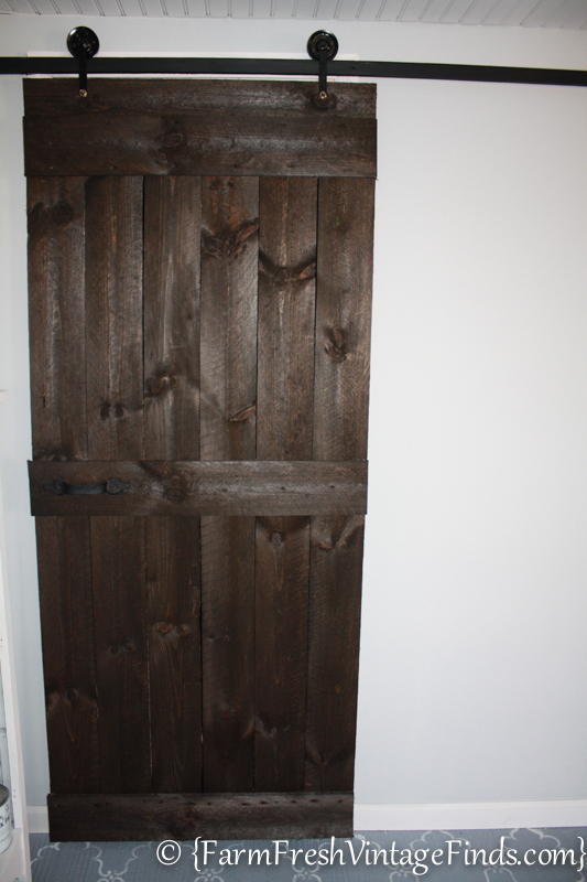 How to build a barn door for around 20 bucks farm for Farm door ideas