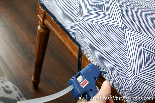 How to Upholster a Bench-11