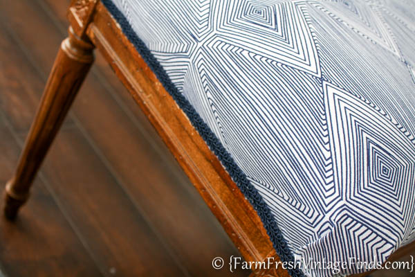 How to Upholster a Bench-12