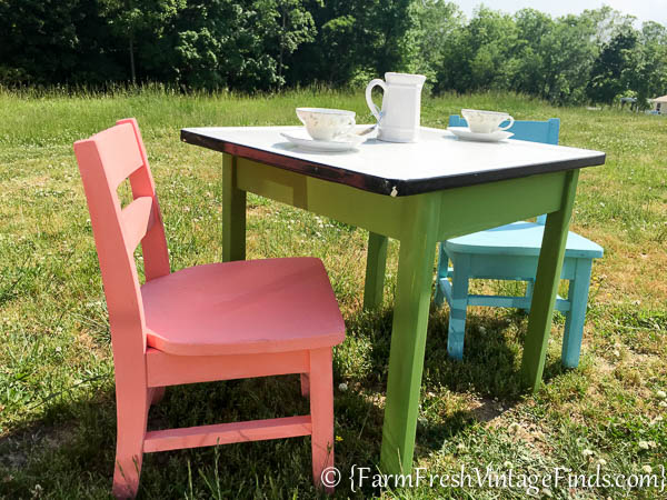 Childs Table and Chairs-10