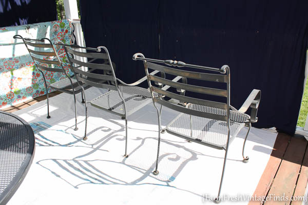 Painted Patio Furniture with the HomeRight Finish Max-13