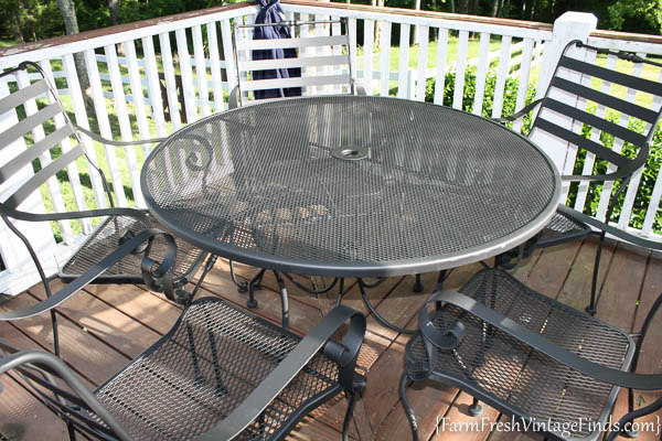 Painted Patio Furniture with the HomeRight Finish Max-20