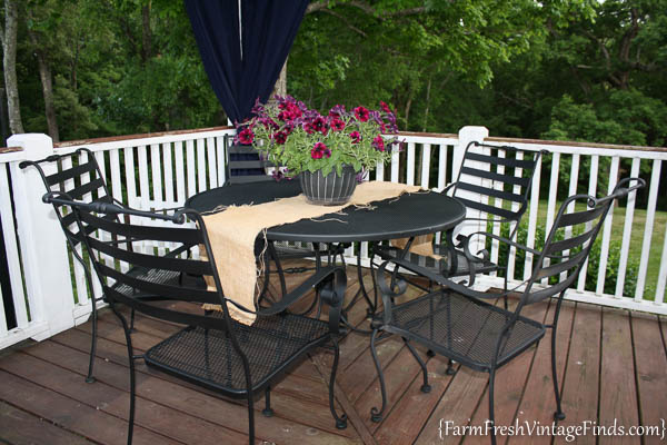 Painted Patio Furniture with the HomeRight Finish Max-25