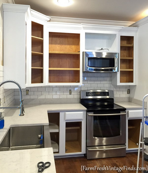 How to Achieve Flawless White Kitchen Cabinets - Farm ...