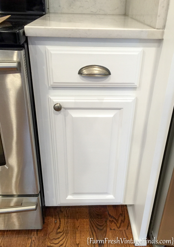 to achieve flawless white kitchen cabinets farm fresh vintage finds