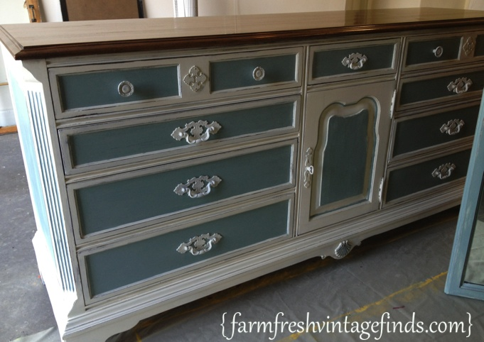 Old white and duck egg dresser farm fresh vintage finds for Refinishing bedroom furniture ideas